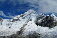 Snöberg i Huascaran, Peru Arkivfoton