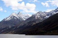 Snöberg i Tibet Arkivbild