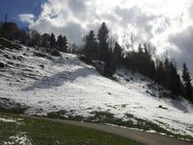 Snöberglandskapet i Schweiz Royaltyfria Bilder