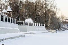 Snöborttagning från platsen Arkivbild