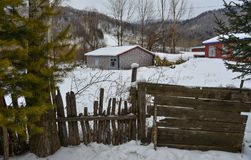 Snöby i det Mohe länet, Kina royaltyfri foto