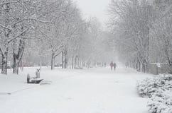 Snöfall i staden fotografering för bildbyråer