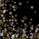 Snöfallbakgrund med guld- snöflingor som är suddiga i mörkret stock illustrationer