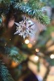 Snöflinga för Christmastree swarovskikristall Royaltyfri Bild