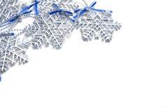 Snöflingor på bakgrund Fotografering för Bildbyråer
