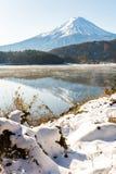 SnöFuji Kawaguchiko sen höst Royaltyfri Bild