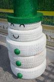 Snögubbe som göras av gummihjulet Royaltyfria Foton