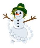 Snögubben i en hatt med girlanden av kastar snöboll Royaltyfri Fotografi