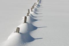 snöig Österrike staket royaltyfri bild