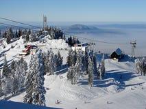 snöig överkant för berg royaltyfria bilder