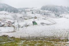 Snöig by fotografering för bildbyråer