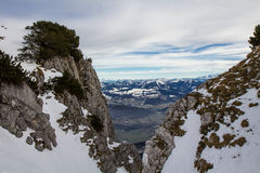Snöig berglandskap Arkivfoton