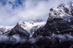 Snöig bergmaxima Royaltyfri Foto