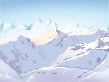 Snöig bergskedja Arkivbild
