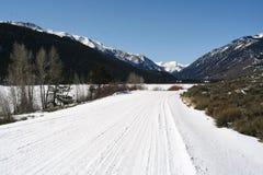 snöig colorado vägar fotografering för bildbyråer
