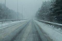 Snöig dålig väg Royaltyfri Fotografi
