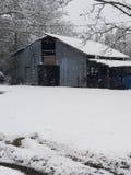 Snöig dag i landet arkivfoto