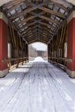 Snöig dold bro - östliga Ohio Fotografering för Bildbyråer