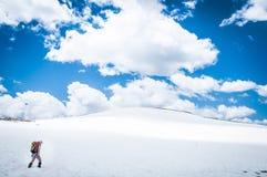 Snöig fotvandra Arkivfoto
