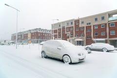 Snöig gata på vintertid Royaltyfria Foton