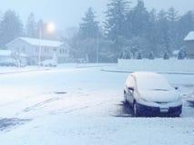 Snöig häftig snöstorm på skymningen Fotografering för Bildbyråer