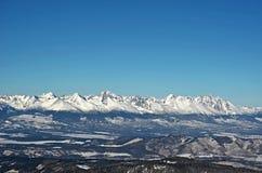 Snöig höga Tatras berg i vinter, Slovakien royaltyfria bilder