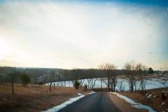 Snöig landsväg Royaltyfri Fotografi