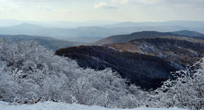 snöig liggandeberg Royaltyfri Foto