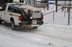 Snöig lokalvård efter vinterstorm i Boston, USA på December 11, 2016 Fotografering för Bildbyråer