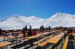 Snöig maxima i Serfausen-Fiss-Ladis skidar semesterorten Royaltyfri Bild