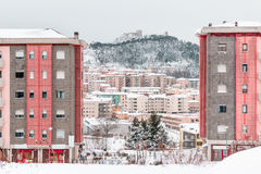 Snöig panorama av Campobasso Arkivbilder