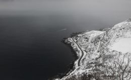Snöig Reine Aerial royaltyfri foto