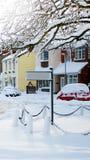 snöig signpost Arkivbilder