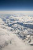 snöig sikt för flyg- berg Royaltyfria Bilder