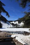 Snöig sjö Talapus, WA Arkivfoto