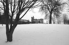 Snöig skotsk slott Royaltyfri Foto