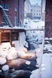 snöig stads- vattenfall Arkivbild