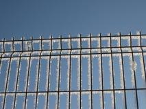 snöig staket fotografering för bildbyråer