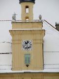 Snöig tak av kyrkan Arkivfoto