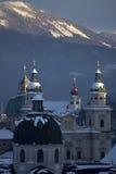 Snöig tornspiror royaltyfria bilder