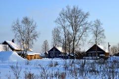 Snöig vinter. royaltyfria bilder