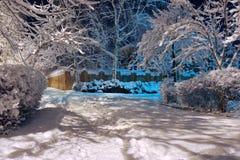 Snöig vinter för gränd Arkivbild