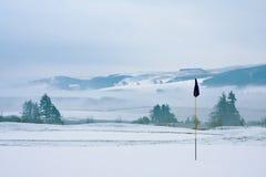 snöig vinter för kursgolfmorgon Arkivbild