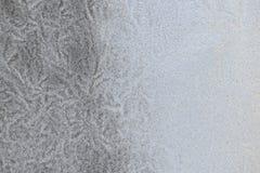 Snömodell på ett fönster royaltyfria bilder