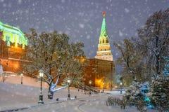 Snön på väggarna av MoskvaKreml Fotografering för Bildbyråer