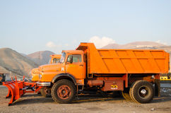 Snöploglastbil Arkivbild