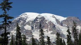 Snöräkningar Mount Rainier Arkivbilder