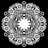 Snöra åt den pappers- doilyen för rundan, den spets- snöflingan som hälsar beståndsdelen, laser-snittmallen, doily för att dekore Royaltyfria Bilder