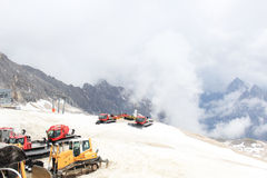 Snövessla på det Zugspitze berget Royaltyfria Foton