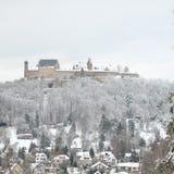 Sn?ig Veste Coburg under vinter royaltyfria bilder